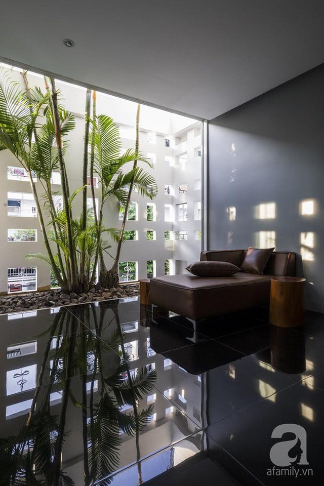 Nhờ thiết kế 300 ô cửa sổ, ngôi nhà hướng Tây ở Nha Trang luôn ngập tràn ánh sáng và gió mát - Ảnh 19.