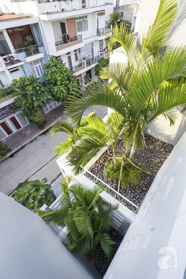 Nhờ thiết kế 300 ô cửa sổ, ngôi nhà hướng Tây ở Nha Trang luôn ngập tràn ánh sáng và gió mát - Ảnh 21.