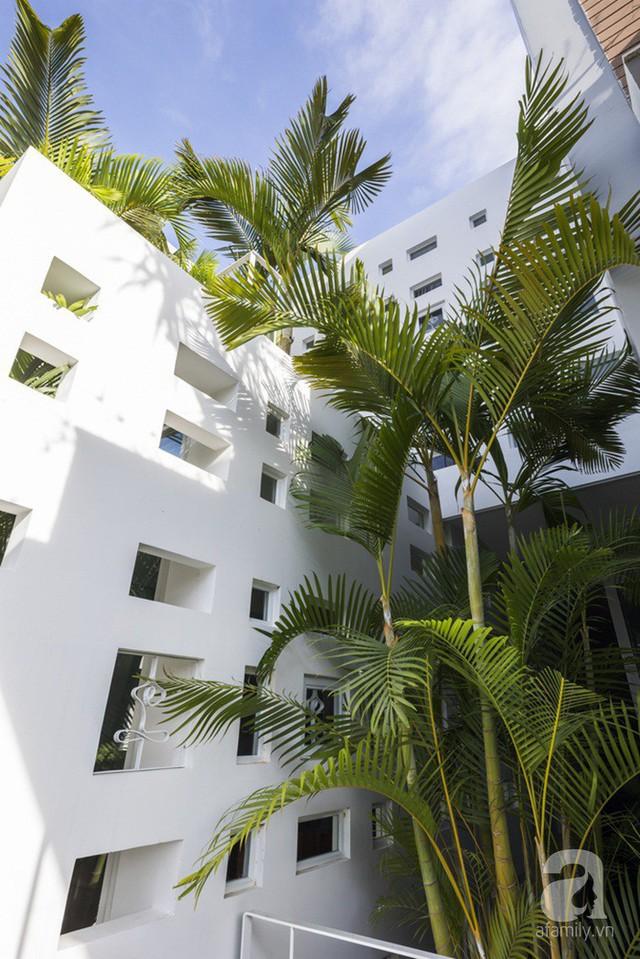 Nhờ thiết kế 300 ô cửa sổ, ngôi nhà hướng Tây ở Nha Trang luôn ngập tràn ánh sáng và gió mát - Ảnh 24.