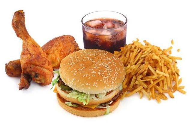 Ăn nhiều thức ăn nhanh: Nhanh mắc bệnh - Ảnh 1.