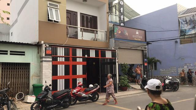 Đang khám xét nơi ở của Phúc XO tại Sài Gòn - Ảnh 1.