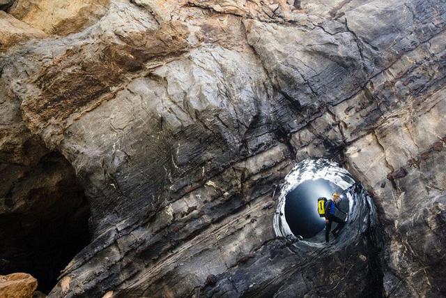 Phát hiện thêm hệ thống hang ngầm bí ẩn bên trong Sơn Đoòng - Ảnh 3.