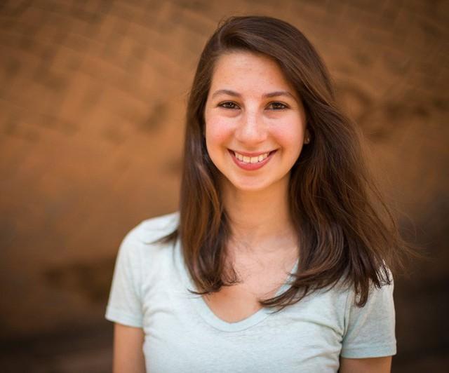 Đây Katie Bouman, cô gái đã dùng thuật toán chụp lại cho ta ảnh hố đen đầu tiên trong lịch sử - Ảnh 1.