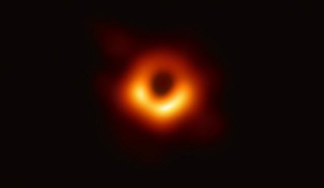 Đây Katie Bouman, cô gái đã dùng thuật toán chụp lại cho ta ảnh hố đen đầu tiên trong lịch sử - Ảnh 4.