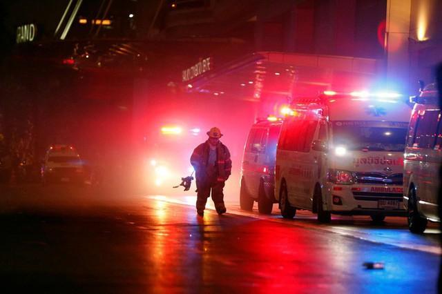 11 người thương vong trong hoả hoạn tại trung tâm thương mại ở Bangkok - Ảnh 2.