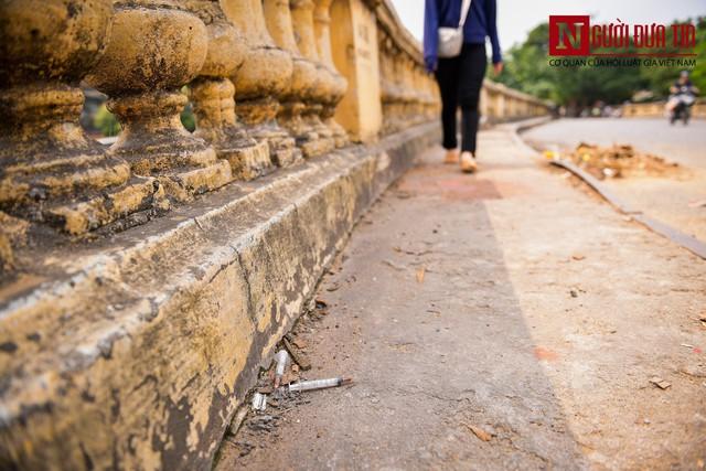 Hãi hùng kim tiêm đã qua sử dụng vây cầu Long Biên, Hà Nội - Ảnh 3.
