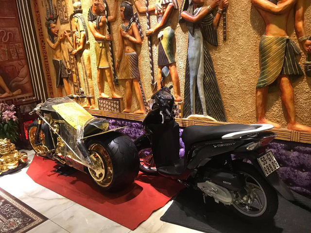 Phúc XO - Người đeo nhiều vàng giả nhất Việt Nam - có dàn xe biển ngũ quý cũng là đồ giả nốt - Ảnh 2.