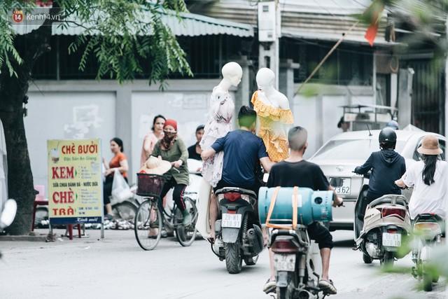 Ở Hà Nội, có góc phố hàng nghìn chân dài đứng ngay ngắn, nghiêm túc nhưng đôi khi khiến người ta hết hồn - Ảnh 15.