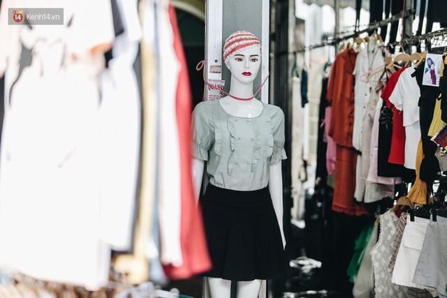 Ở Hà Nội, có góc phố hàng nghìn chân dài đứng ngay ngắn, nghiêm túc nhưng đôi khi khiến người ta hết hồn - Ảnh 22.