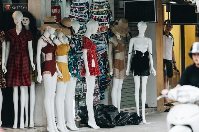 Ở Hà Nội, có góc phố hàng nghìn chân dài đứng ngay ngắn, nghiêm túc nhưng đôi khi khiến người ta hết hồn - Ảnh 24.