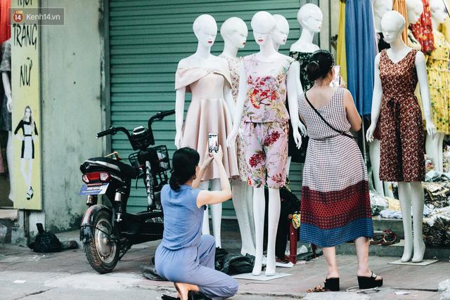 Ở Hà Nội, có góc phố hàng nghìn chân dài đứng ngay ngắn, nghiêm túc nhưng đôi khi khiến người ta hết hồn - Ảnh 8.