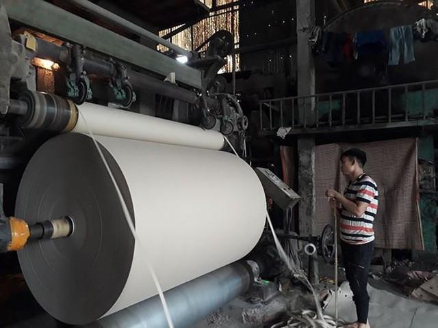 Hộ sản xuất, doanh nghiệp bắt đầu ngấm đòn tăng giá điện - Ảnh 2.