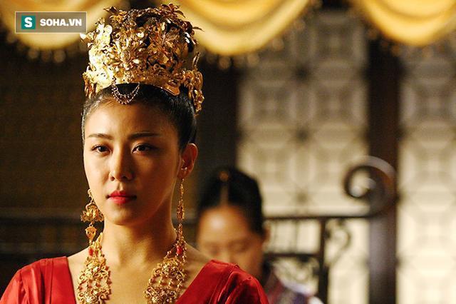 Bóc trần sự thật lịch sử về Hoàng hậu Ki: Thủ đoạn ngoài đời còn cao tay hơn trên phim ảnh - Ảnh 4.