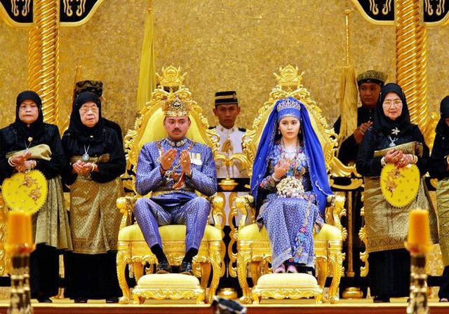 Điều ít biết về người nắm giữ trái tim Thái tử giàu có bậc nhất châu Á: 17 tuổi đã kết hôn, sinh 4 con vẫn được chồng yêu chiều hết mực - Ảnh 2.
