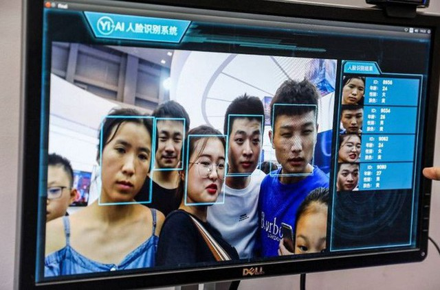 Hết đánh giá công dân, theo dõi tù nhân, giờ đây Trung Quốc còn giám sát cả công nhân vệ sinh bằng vòng đeo GPS - Ảnh 2.