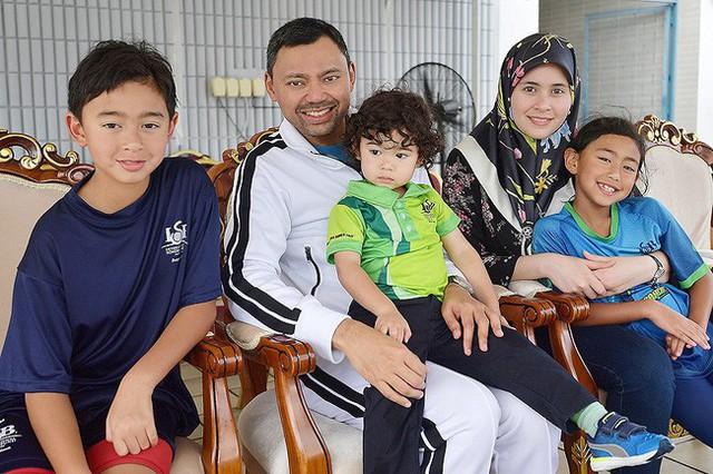 Điều ít biết về người nắm giữ trái tim Thái tử giàu có bậc nhất châu Á: 17 tuổi đã kết hôn, sinh 4 con vẫn được chồng yêu chiều hết mực - Ảnh 4.