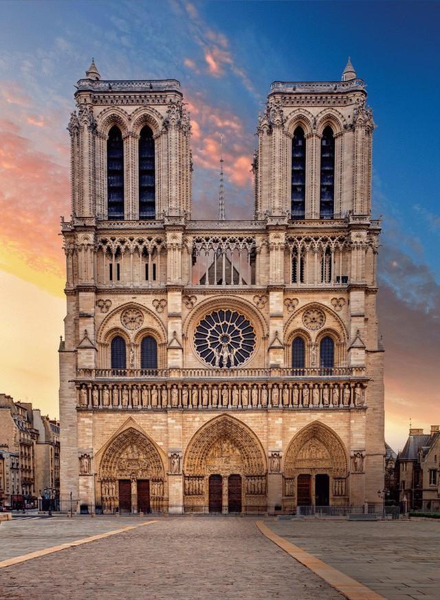 Nhà thờ Đức Bà: Lịch sử hơn 850 năm nhiều biến cố của công trình được mệnh danh Trái tim Paris - Ảnh 1.