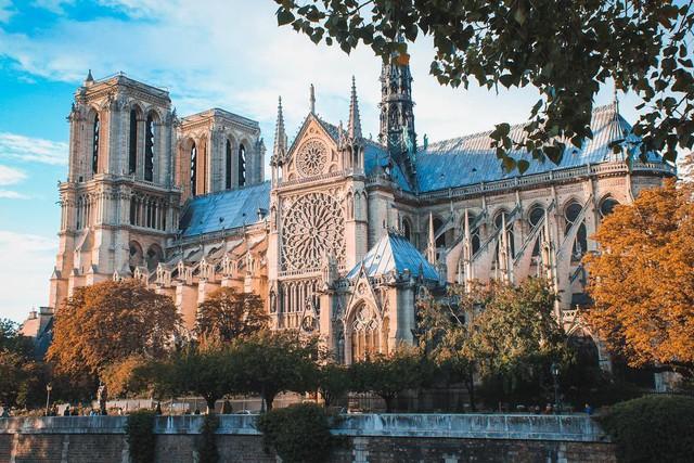 Sửng sốt với 8 bí mật về Nhà thờ Đức Bà Paris: Điều thứ 3 khiến không ít người nổi da gà! - Ảnh 1.