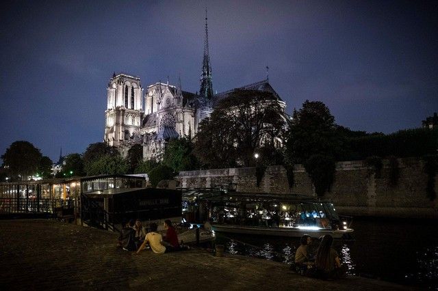 [Ảnh] Những báu vật bên trong Nhà thờ Đức Bà Paris - Ảnh 1.