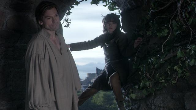 Bạn đã bỏ qua những điểm giống nhau đến kỳ lạ này giữa tập 1 mùa 8 Game of Thrones với những tập phim trước - Ảnh 6.