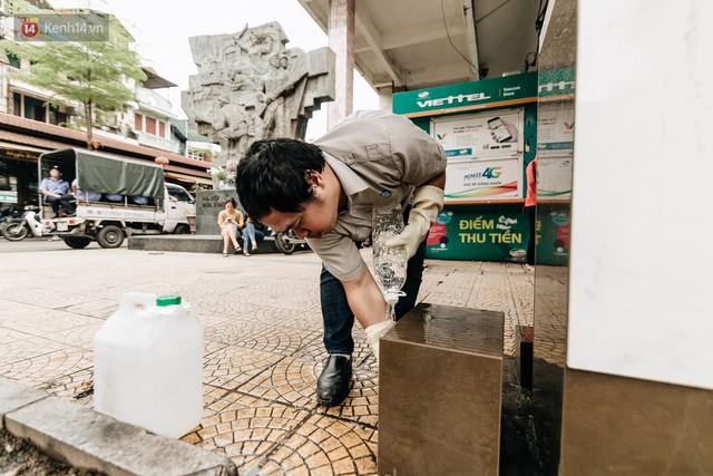 Trụ nước sạch miễn phí xuất hiện ở Hà Nội: Người thích thú, người lầm tưởng là... bồn rửa tay - Ảnh 7.