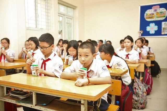 Lùm xùm sữa học đường tại Hà Nội, Vinamilk đề nghị Bộ Công an vào cuộc - Ảnh 1.