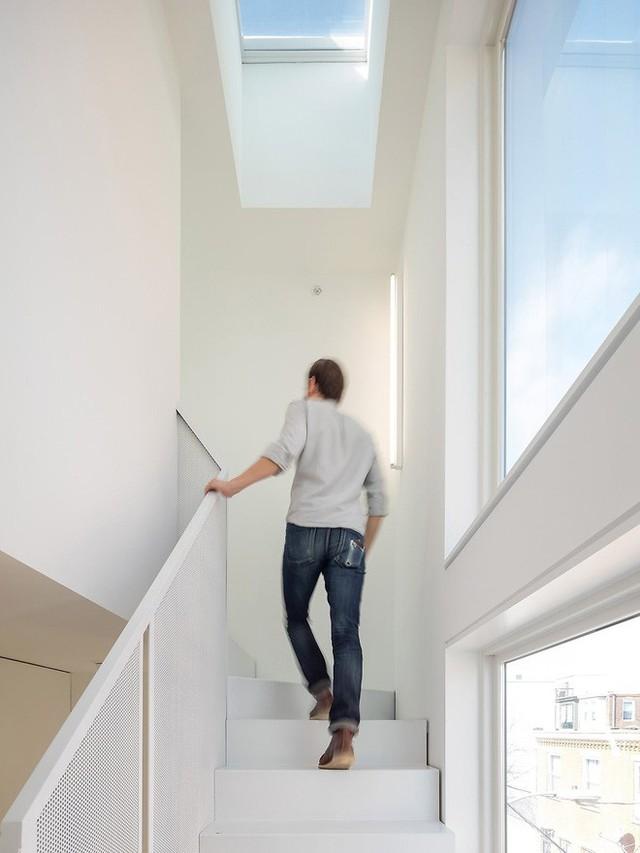 Ngôi nhà 32m² thiết kế như tòa cao ốc mini khiến ai nấy đều trầm trồ - Ảnh 11.