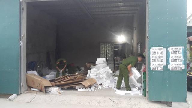 Vụ bắt giữ gần 1 tấn ma túy đá ở Nghệ An: Từ đống rác ven đường đến nhà kho toàn loa thùng - Ảnh 7.