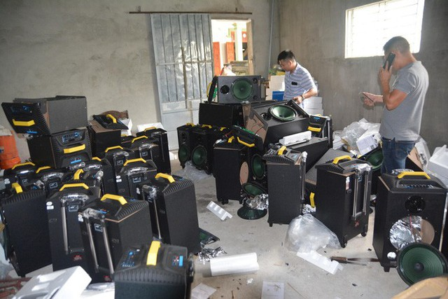 Vụ bắt giữ gần 1 tấn ma túy đá ở Nghệ An: Từ đống rác ven đường đến nhà kho toàn loa thùng - Ảnh 8.
