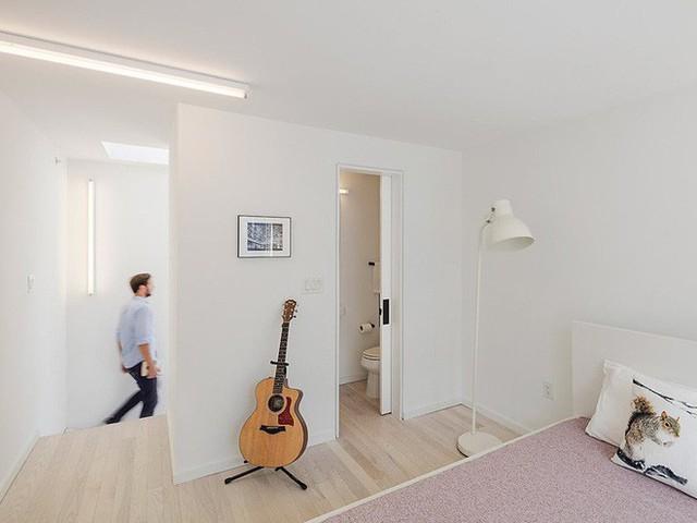 Ngôi nhà 32m² thiết kế như tòa cao ốc mini khiến ai nấy đều trầm trồ - Ảnh 8.