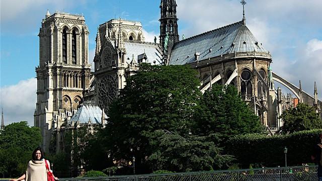 Cháy Nhà thờ Đức Bà Paris, các tour du lịch từ Việt Nam đi Pháp ảnh hưởng ra sao? - Ảnh 1.