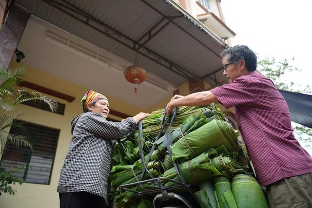 Nghề độc ở Hà Nội: Bán lá chuối rừng, kiếm hàng chục triệu đồng mỗi tháng - Ảnh 11.