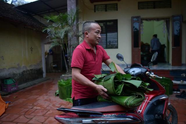 Nghề độc ở Hà Nội: Bán lá chuối rừng, kiếm hàng chục triệu đồng mỗi tháng - Ảnh 13.