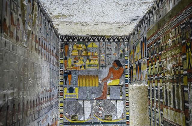 Khai quật 2 lăng mộ Ai Cập kỳ lạ nhất lịch sử: sau 4000 năm mà nước sơn vẫn còn như mới - Ảnh 3.