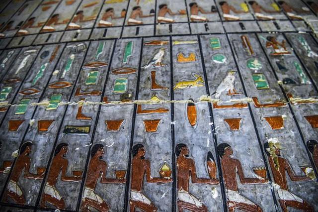 Khai quật 2 lăng mộ Ai Cập kỳ lạ nhất lịch sử: sau 4000 năm mà nước sơn vẫn còn như mới - Ảnh 6.