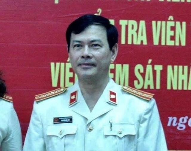 Khởi tố cựu viện phó Nguyễn Hữu Linh tội dâm ô - Ảnh 2.
