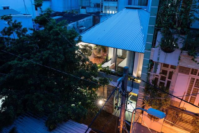 [Ảnh] Thiết kế đặc biệt giúp ngôi nhà ở TP HCM chống lại nắng nóng - Ảnh 16.