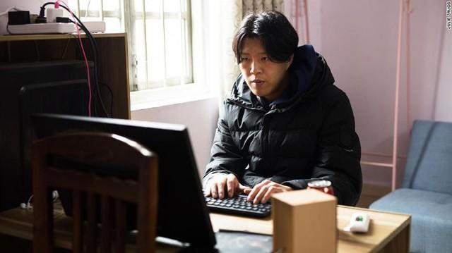 Chuyện lạ: Anh nông dân chăn lợn Trung Quốc kiếm 3.000 USD/tháng, có 5 triệu người theo dõi nhưng nổi tiếng không hề nhờ lợn - Ảnh 3.