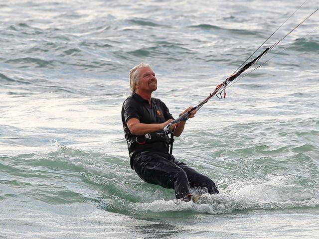 Richard Branson - vị tỷ phú luôn đặt mình trong chế độ hạnh phúc: Đừng làm việc để sống, mà hãy sống để tận hưởng công việc! - Ảnh 3.
