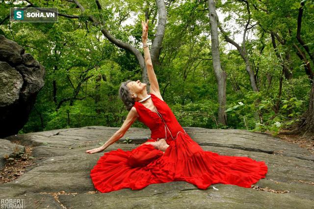 Chuyên gia Yoga 101 tuổi: 7 bí mật để lão hóa đi một cách duyên dáng, khỏe mạnh, lạc quan - Ảnh 1.