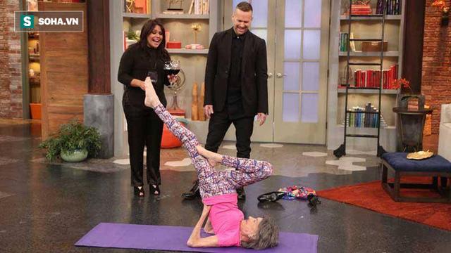 Chuyên gia Yoga 101 tuổi: 7 bí mật để lão hóa đi một cách duyên dáng, khỏe mạnh, lạc quan - Ảnh 7.