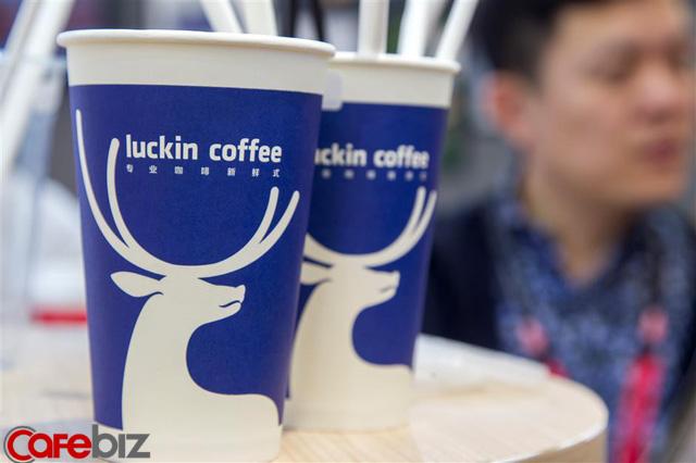 Sức mạnh của Luckin Coffee- kẻ có tham vọng lật đổ Starbucks tại Trung Quốc: Biến một nhà đầu tư thành tỷ phú USD trong chưa đầy 2 năm - Ảnh 1.