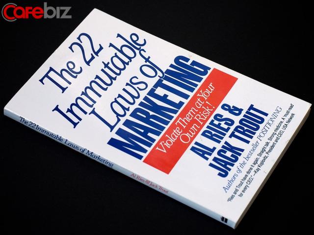 Tôi đã đọc 8 cuốn sách kinh doanh kinh điển nhất mọi thời đại và đây là những gì tinh hoa nhất tôi rút ra được  - Ảnh 4.