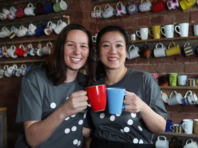 Úc: Quán cà phê ưu tiên nữ giới, bắt đàn ông phải trả thêm tiền cuối cùng đã sập tiệm - Ảnh 3.