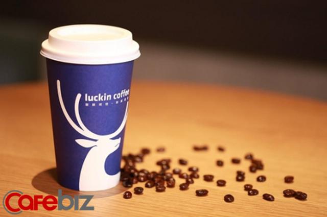 [Bài 29/4] Để đánh bại gã khổng lồ Starbucks, Luckin Coffee không ngại 'chơi lớn': Mỗi 3,5 tiếng trôi qua lại mở thêm 1 cửa hàng cà phê mới tại Trung Quốc - Ảnh 1.