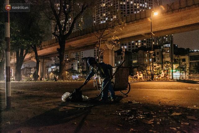 Sự ra đi của nữ công nhân môi trường và nỗi ám ảnh người ở lại: Những phận đời phu rác bám đường phố Hà Nội mưu sinh - Ảnh 16.