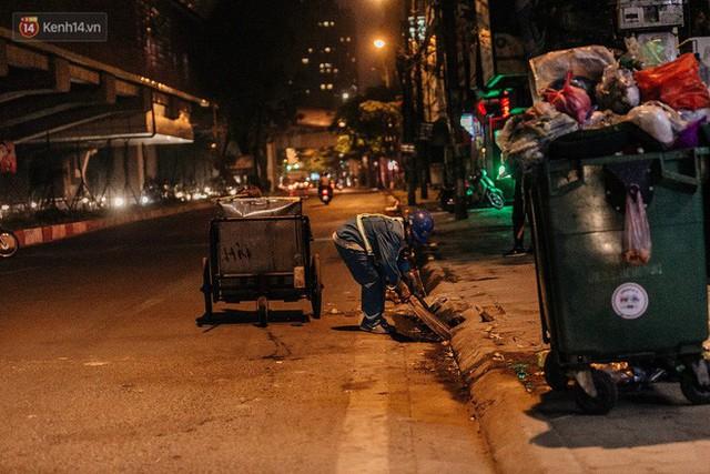 Sự ra đi của nữ công nhân môi trường và nỗi ám ảnh người ở lại: Những phận đời phu rác bám đường phố Hà Nội mưu sinh - Ảnh 17.