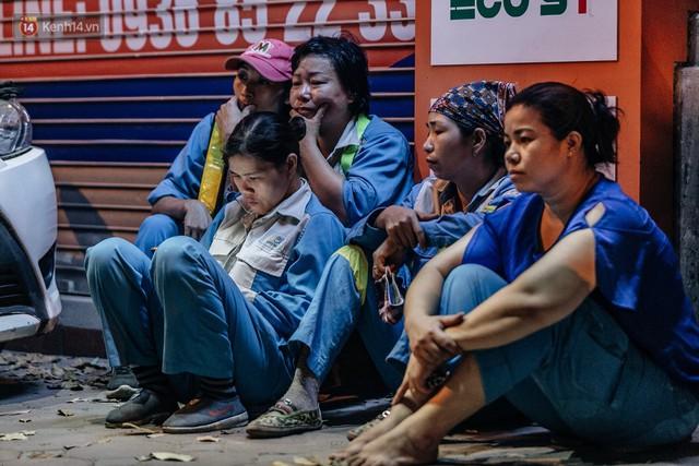 Sự ra đi của nữ công nhân môi trường và nỗi ám ảnh người ở lại: Những phận đời phu rác bám đường phố Hà Nội mưu sinh - Ảnh 20.