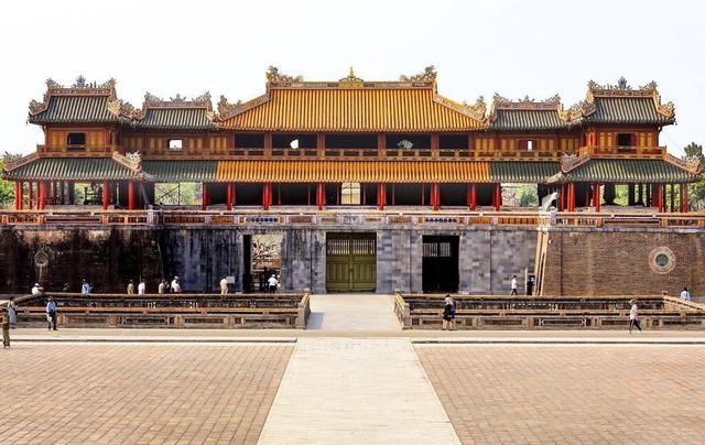 Nhiều người phản bác ý kiến Cổng Ngọ Môn của Đại Nội Huế được làm sạch là mất đi vẻ cổ kính: Không phải cứ rêu phong mới là di tích! - Ảnh 3.