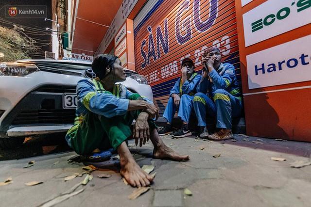 Sự ra đi của nữ công nhân môi trường và nỗi ám ảnh người ở lại: Những phận đời phu rác bám đường phố Hà Nội mưu sinh - Ảnh 22.